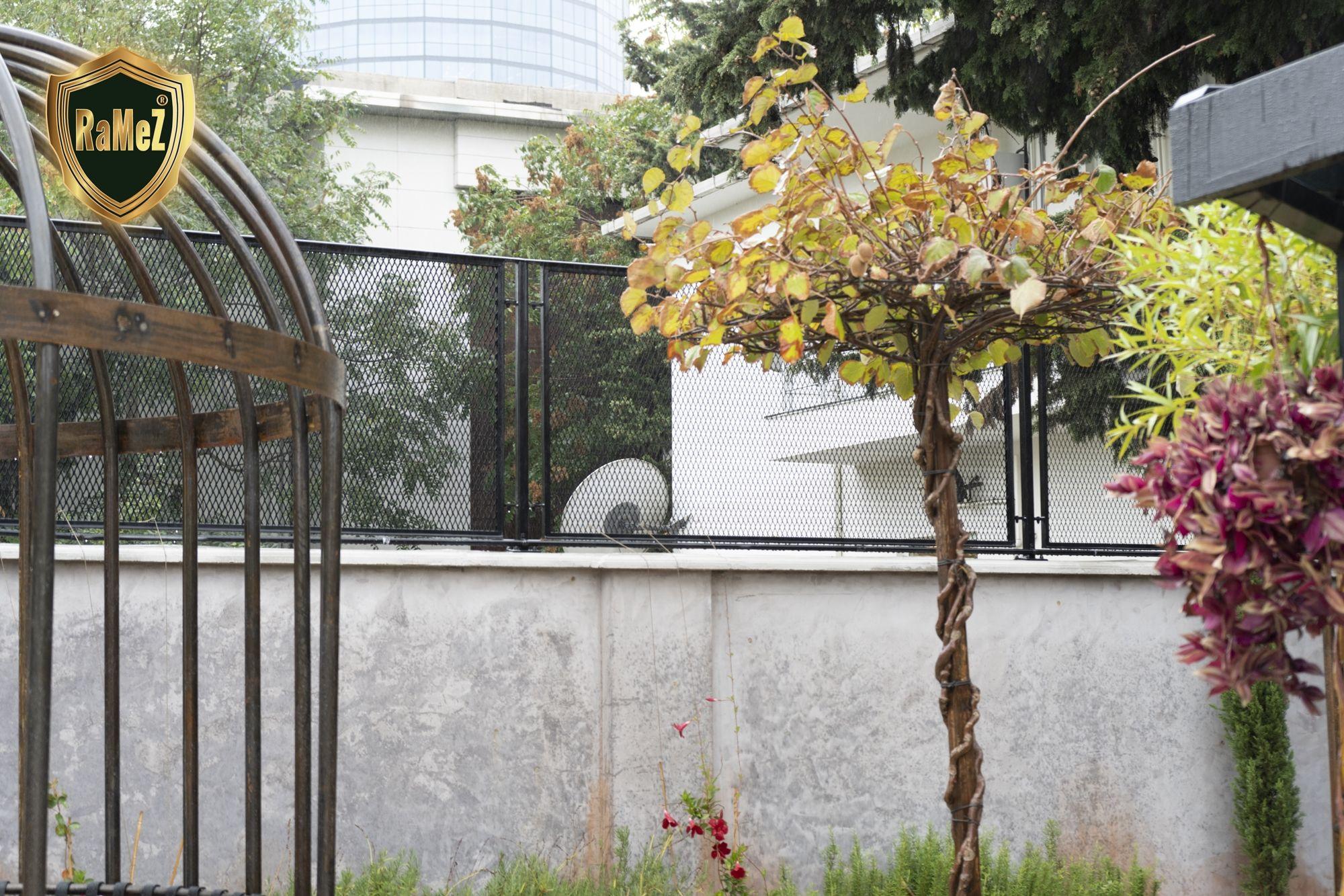 Ferforje Modellerimiz Wrought Iron Garden Gates, Ferforje ... pour Balustrade De Jardin
