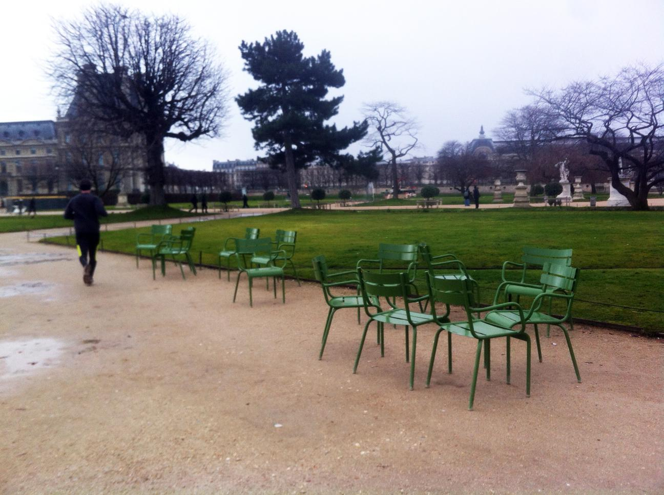 Fermob Luxembourg Chair In Jardin Des Tuileries In Paris ... destiné Fermob Jardin Du Luxembourg