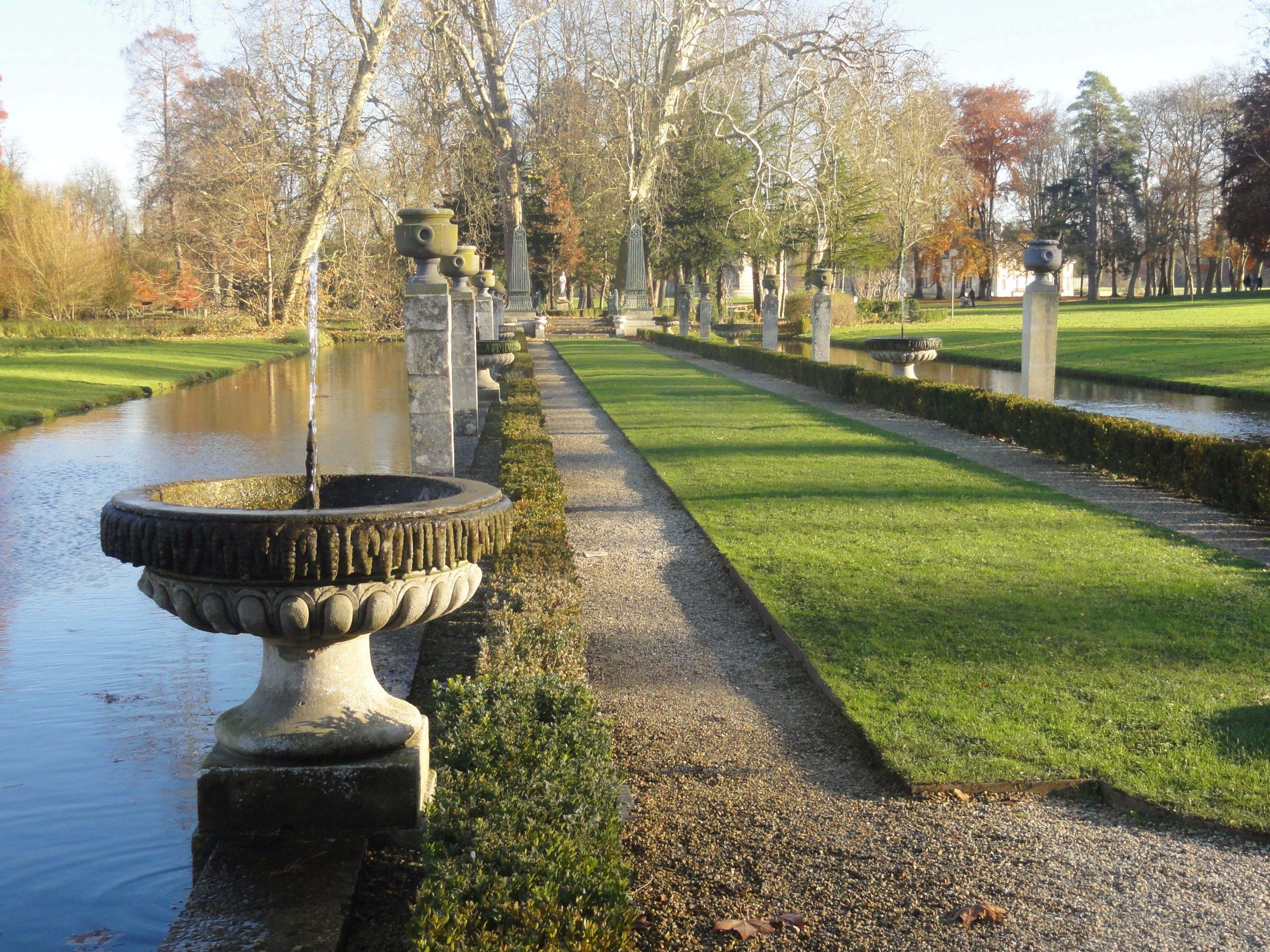 File:chantilly (60), Parc Du Château, Jardin Anglais, Île D ... avec Petite Fontaine De Jardin