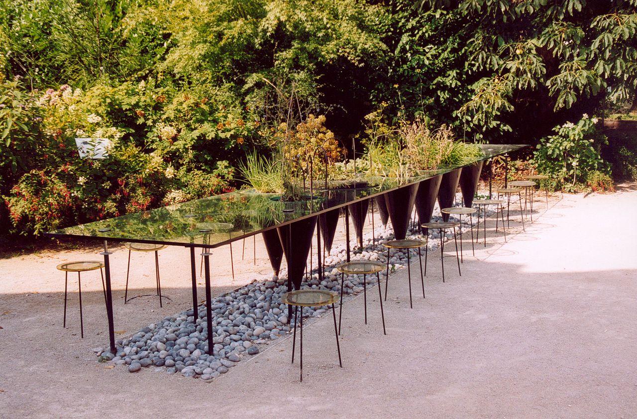 File:france Loir-Et-Cher Chaumont-Sur-Loire Jardin Table ... destiné Table De Jardin Verte