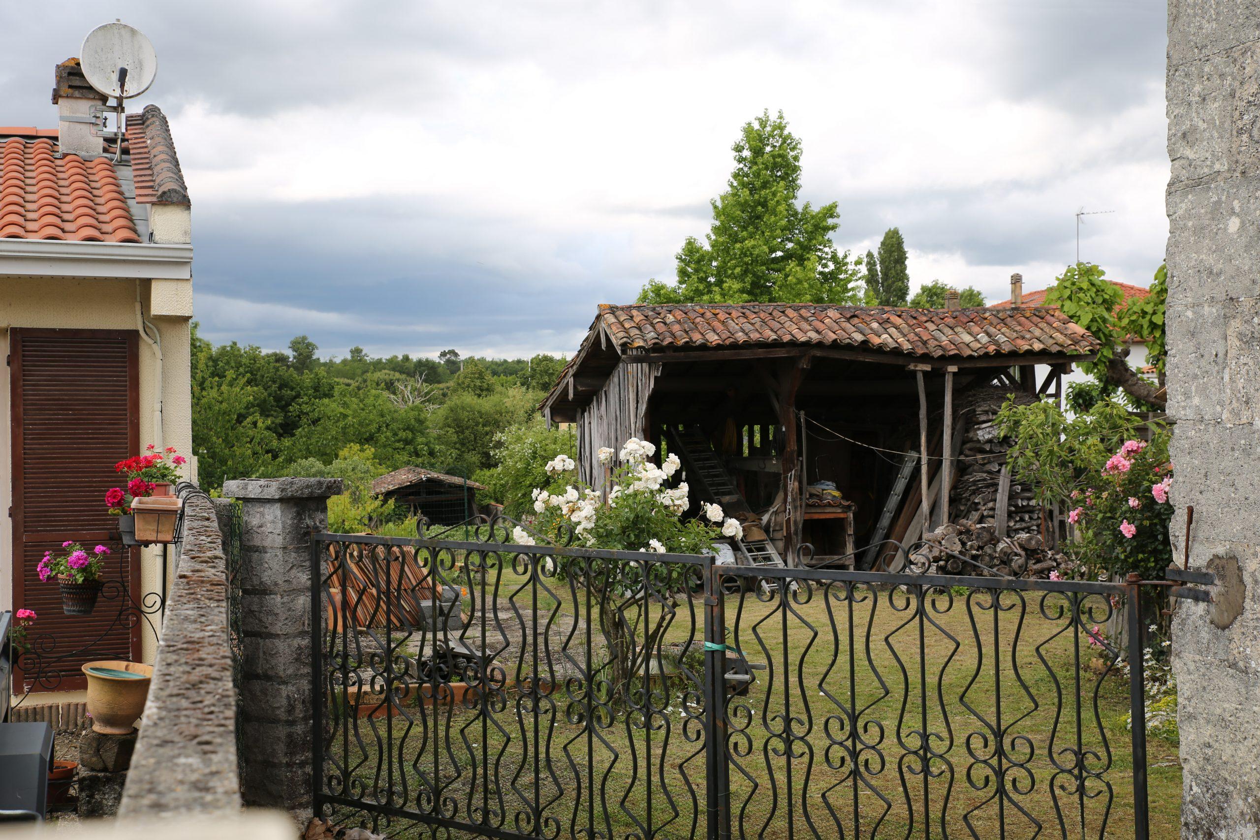 File:gajac-Abri De Jardin.jpg - Wikimedia Commons à Abri De Jardin Original