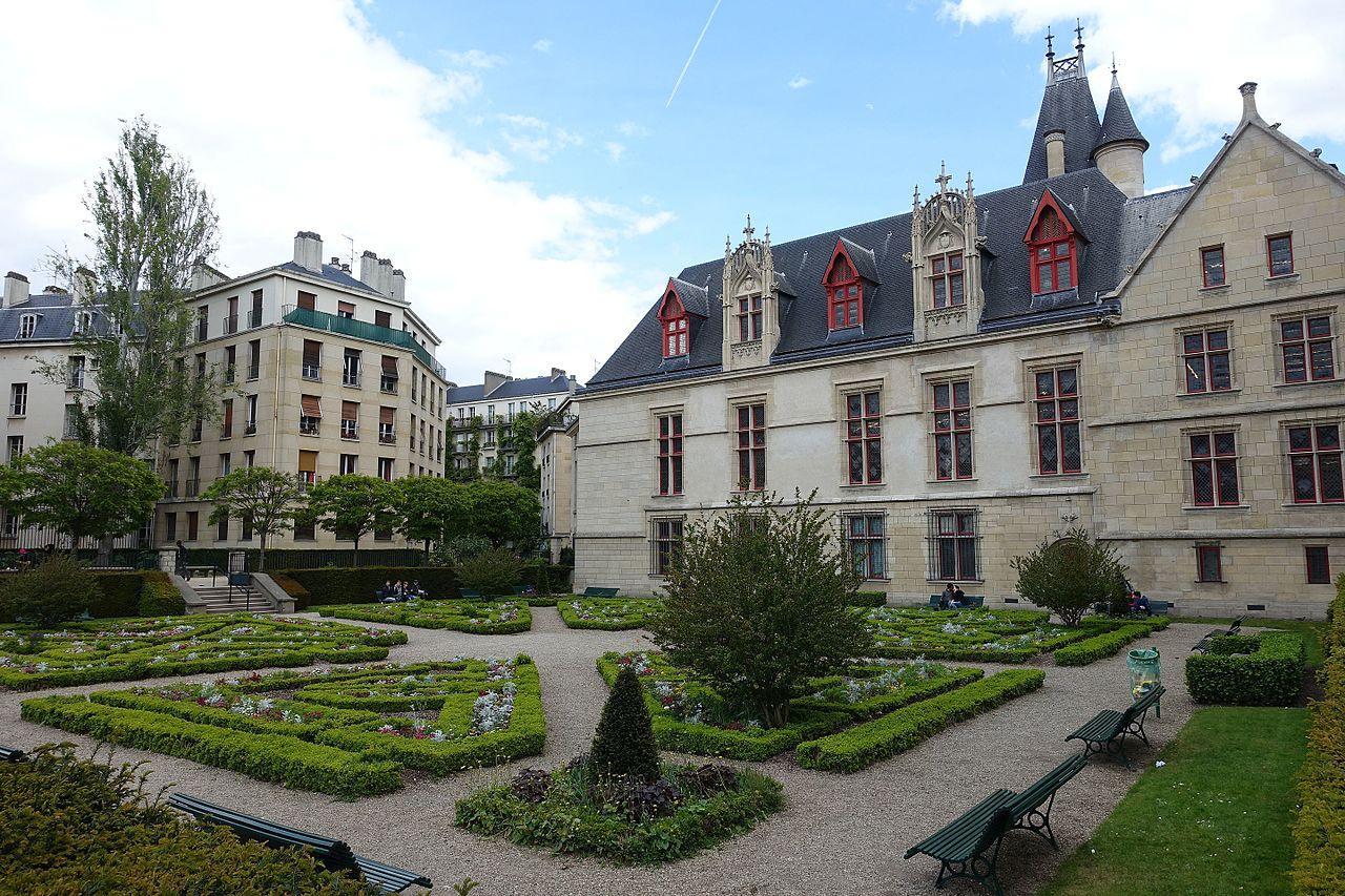 File:jardin De L'hôtel De Sens @ Le Marais @ Paris ... serapportantà Jardin Du Marais Hotel Paris