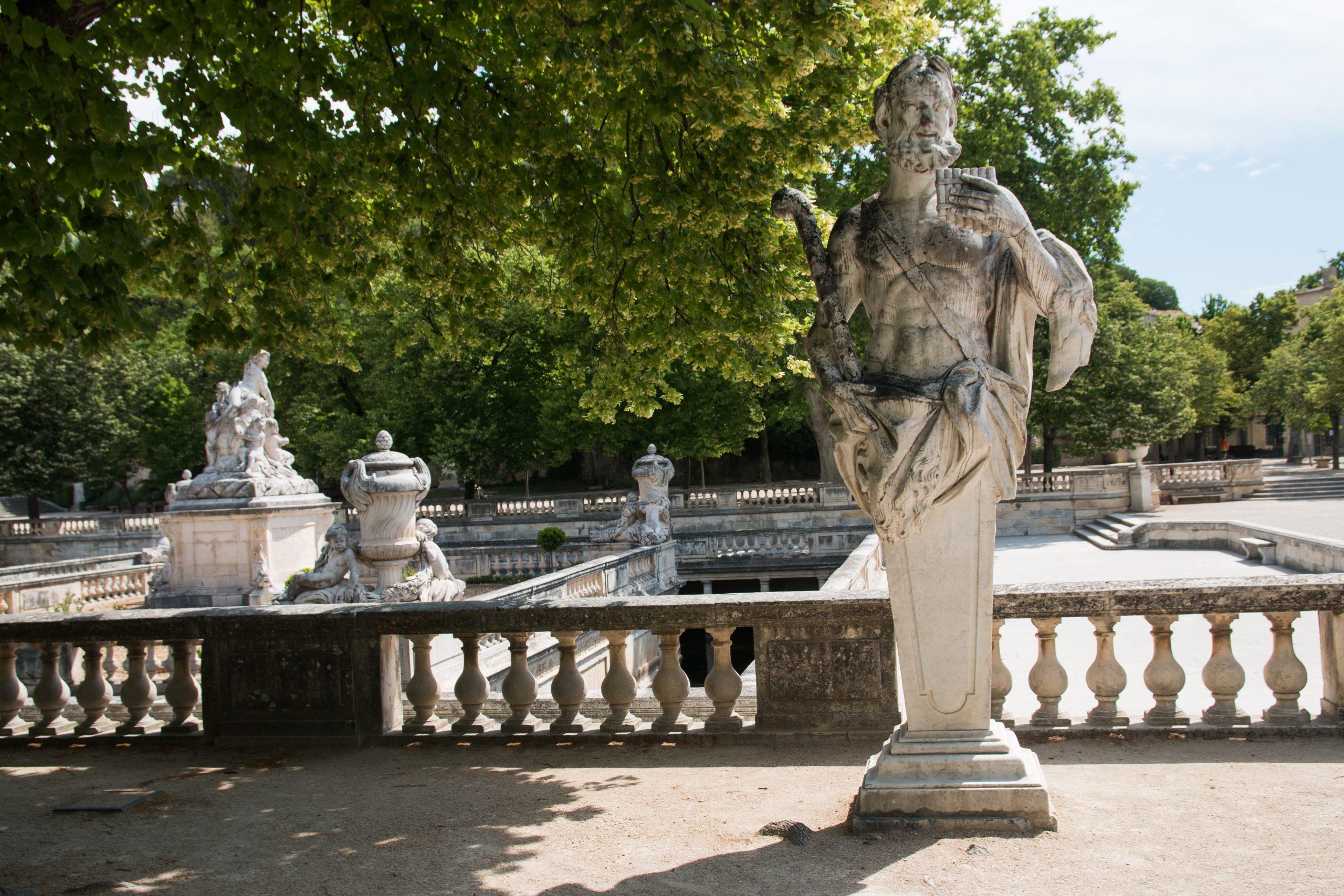 File:nîmes-Jardin De La Fontaine-Pan-20140526.jpg ... destiné Statue Fontaine De Jardin