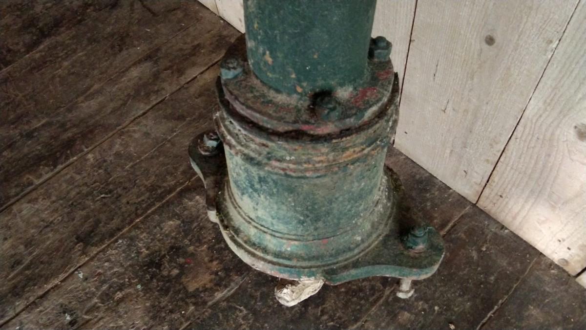 Fontaine De Jardin En Fonte À Pompe - Exterieur - Toscani encequiconcerne Fontaine De Jardin En Fonte