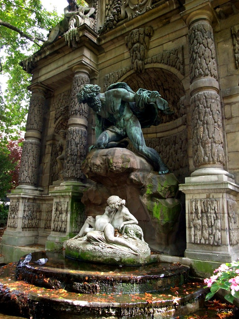 Fontaine De Médicis: Medici Fountain: Jardin Du Luxembourg ... tout Statue Fontaine De Jardin