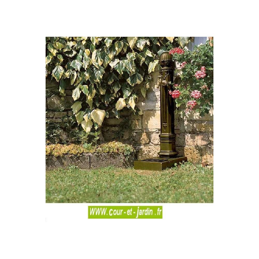 Fontaine Griffon Avec Vasque -Fontaines De Jardin - Cour Et ... avec Fontaine De Jardin En Fonte