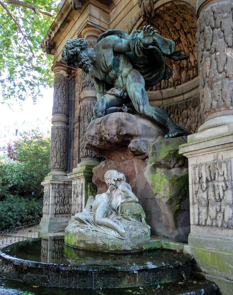 Fontaine Médicis. Paris | Acis And Galatea, Luxembourg ... encequiconcerne Statue Fontaine De Jardin