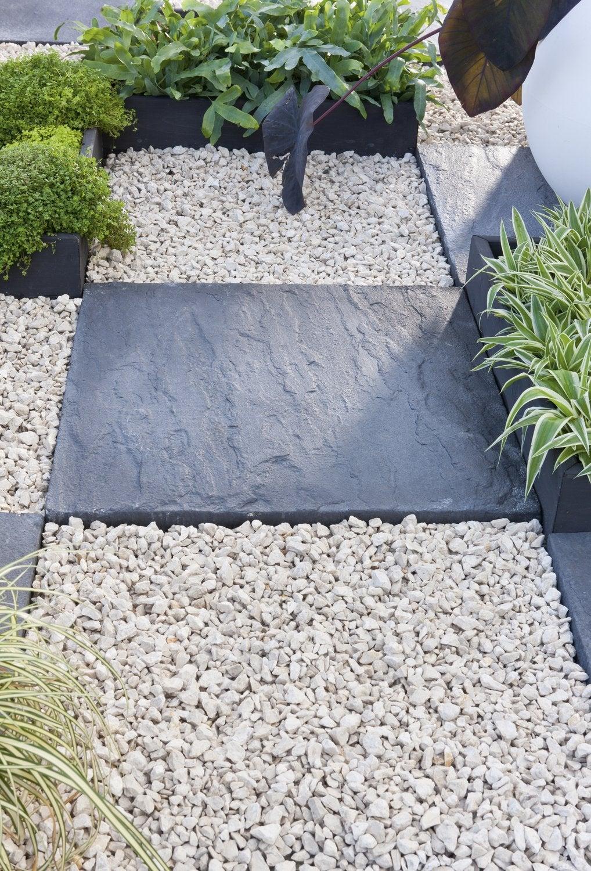 Galets Et Graviers Pour Aménager Votre Jardin | Leroy Merlin destiné Galets Blancs Pour Jardin Pas Cher