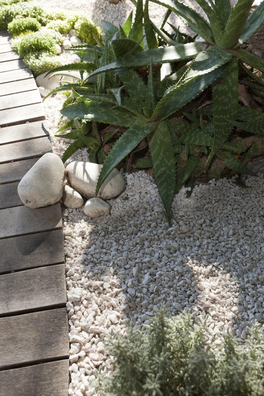 Galets Et Graviers Pour Aménager Votre Jardin | Leroy Merlin encequiconcerne Galets Pas Cher Jardin