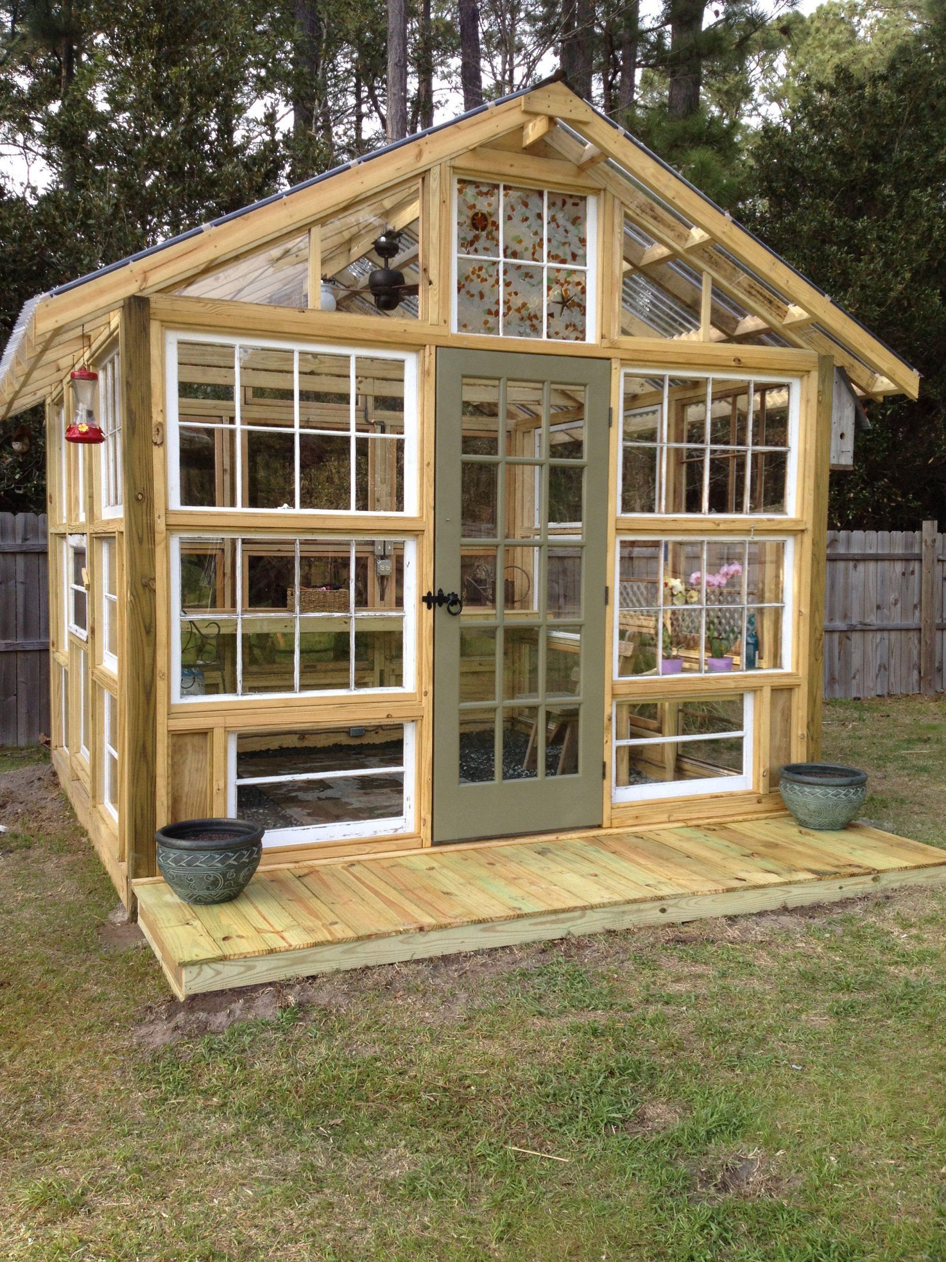 Green House Made Using Old Windows | Serre Jardin, Maison ... concernant Construire Jardin Surélevé
