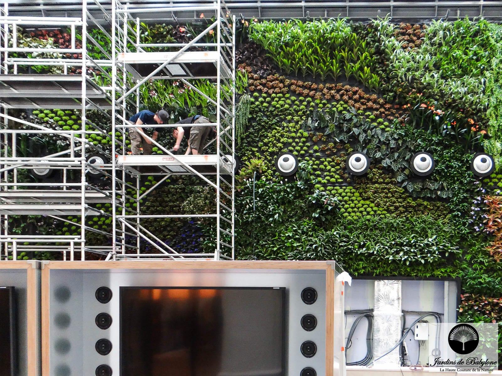 Green Wall Construction At Jardins De Babylone: Living Walls ... avec Geotextile Jardin