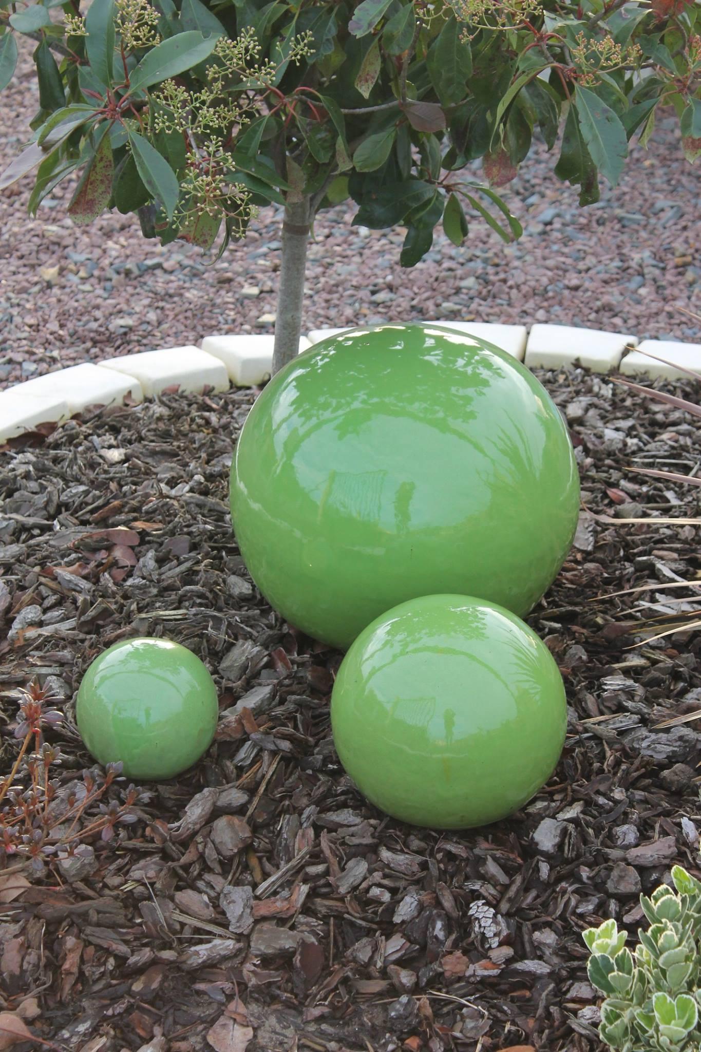 Grosse-Boule-Deco-Jardin-Ceramique-Aublet • Moulin De Jardin ... tout Boule Deco Jardin