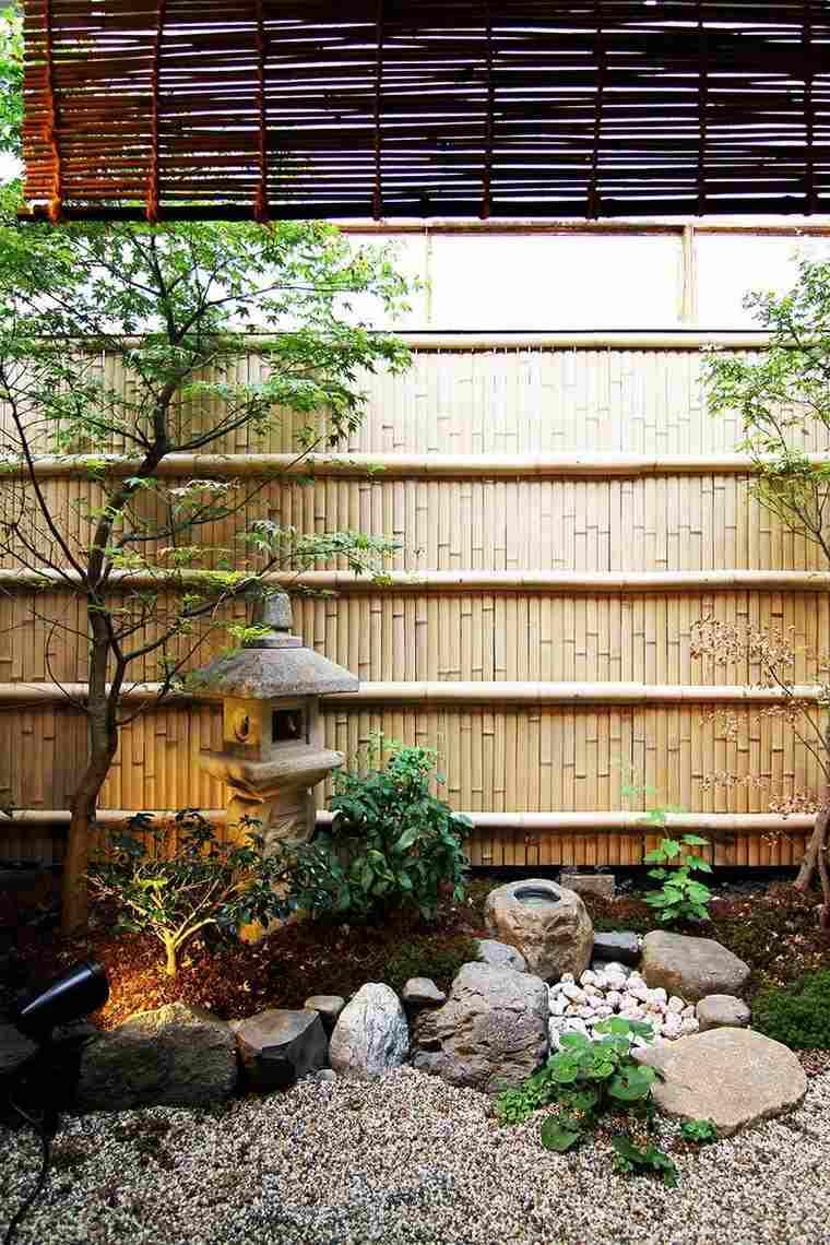 Grosse Pierre Pour Décorer Son Jardin : Propositions Originales encequiconcerne Grosse Pierre Decoration Jardin