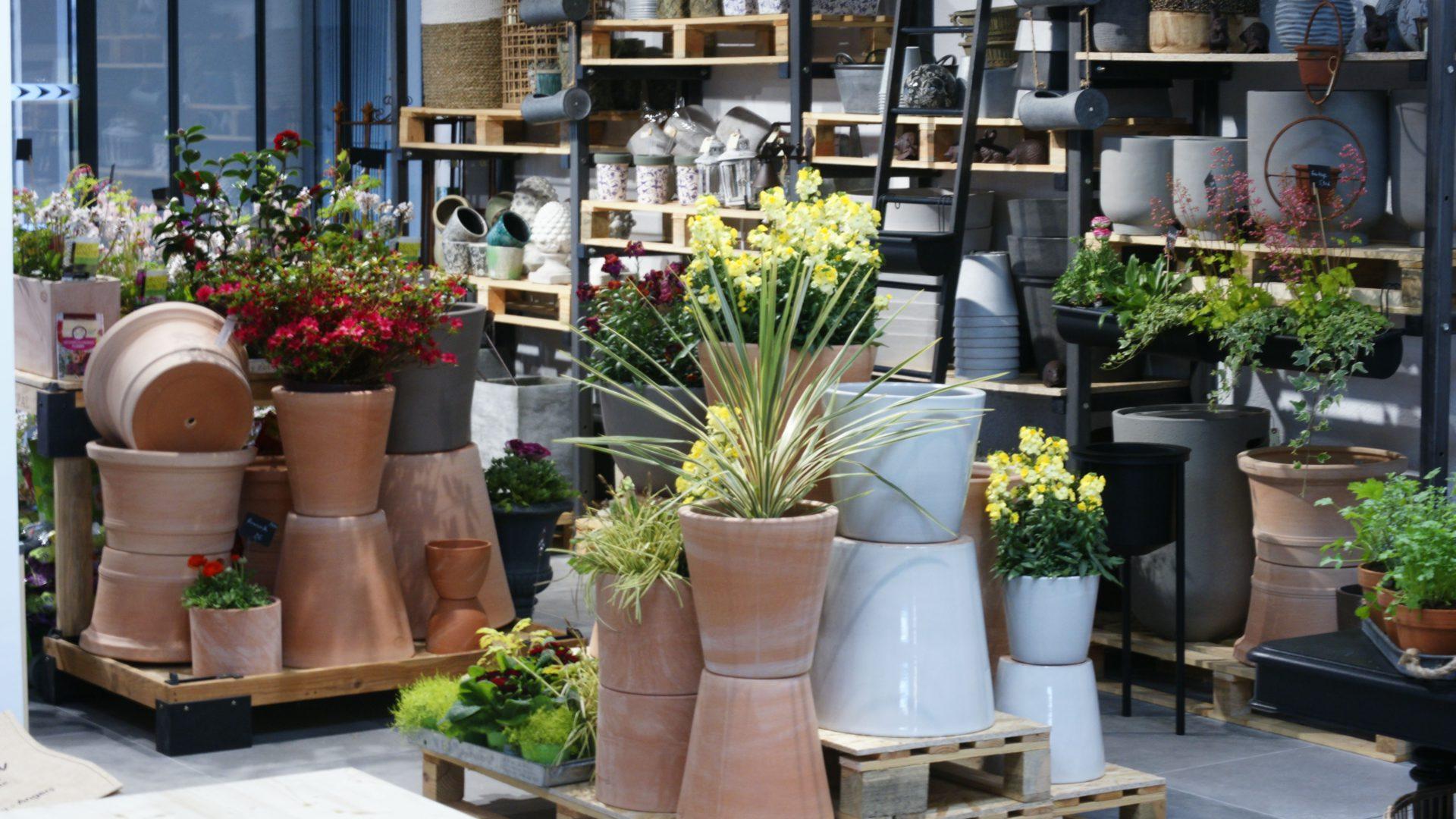 Hortelli - Petits Jardins Et Beaux Objets En Cœur De Ville À ... pour Objets Decoration Jardin Exterieur