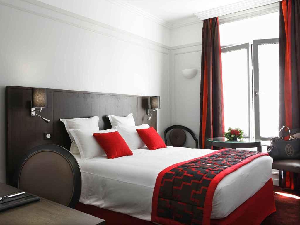 Hotel California Champs Elysees In Paris - Room Deals ... tout Salon De Jardin California