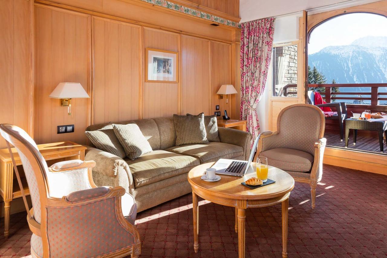 Hotel Carlina (Fransa Courchevel) - Booking dedans But Salon De Jardin