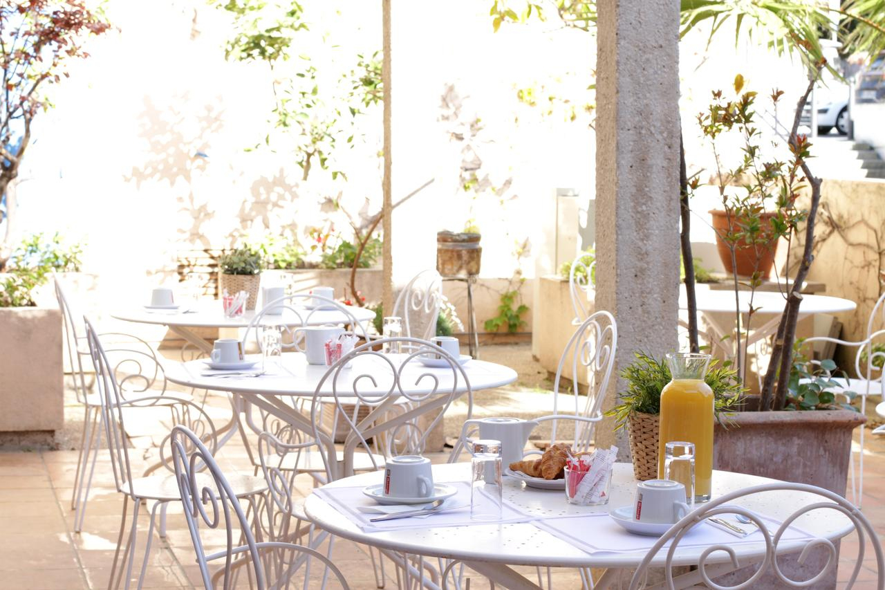 Hotel Coeur De Cassis, France - Booking tout Super U Table De Jardin
