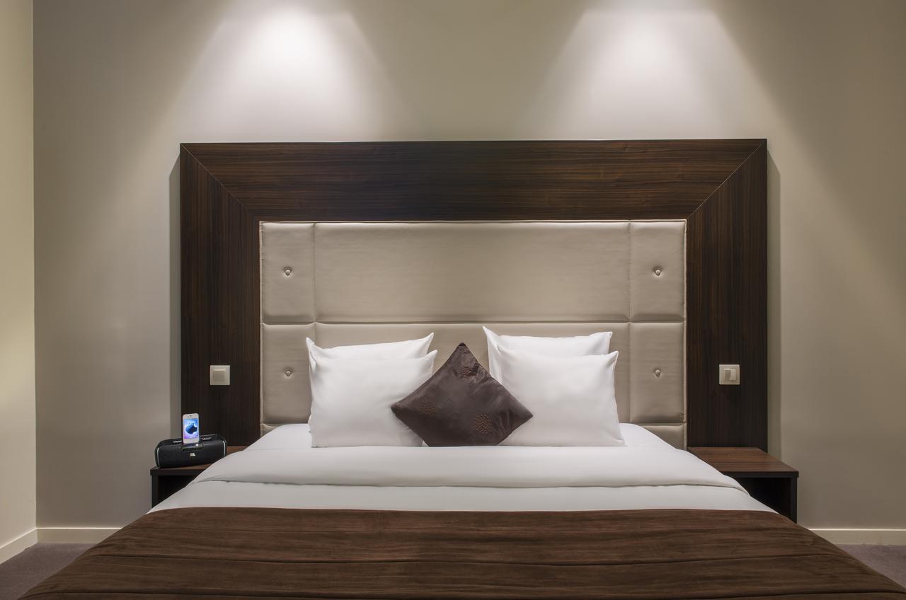 Hotel Corona Rodier (Fransa Paris) - Booking serapportantà Salon De Jardin Corona