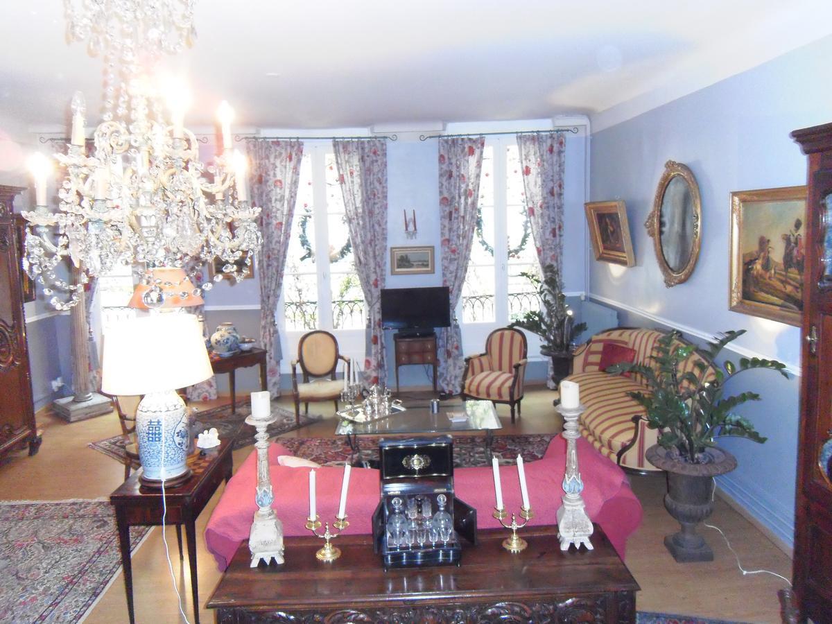 Hôtel Des Arceaux (Fransa Bayonne) - Booking encequiconcerne Arceaux Jardin