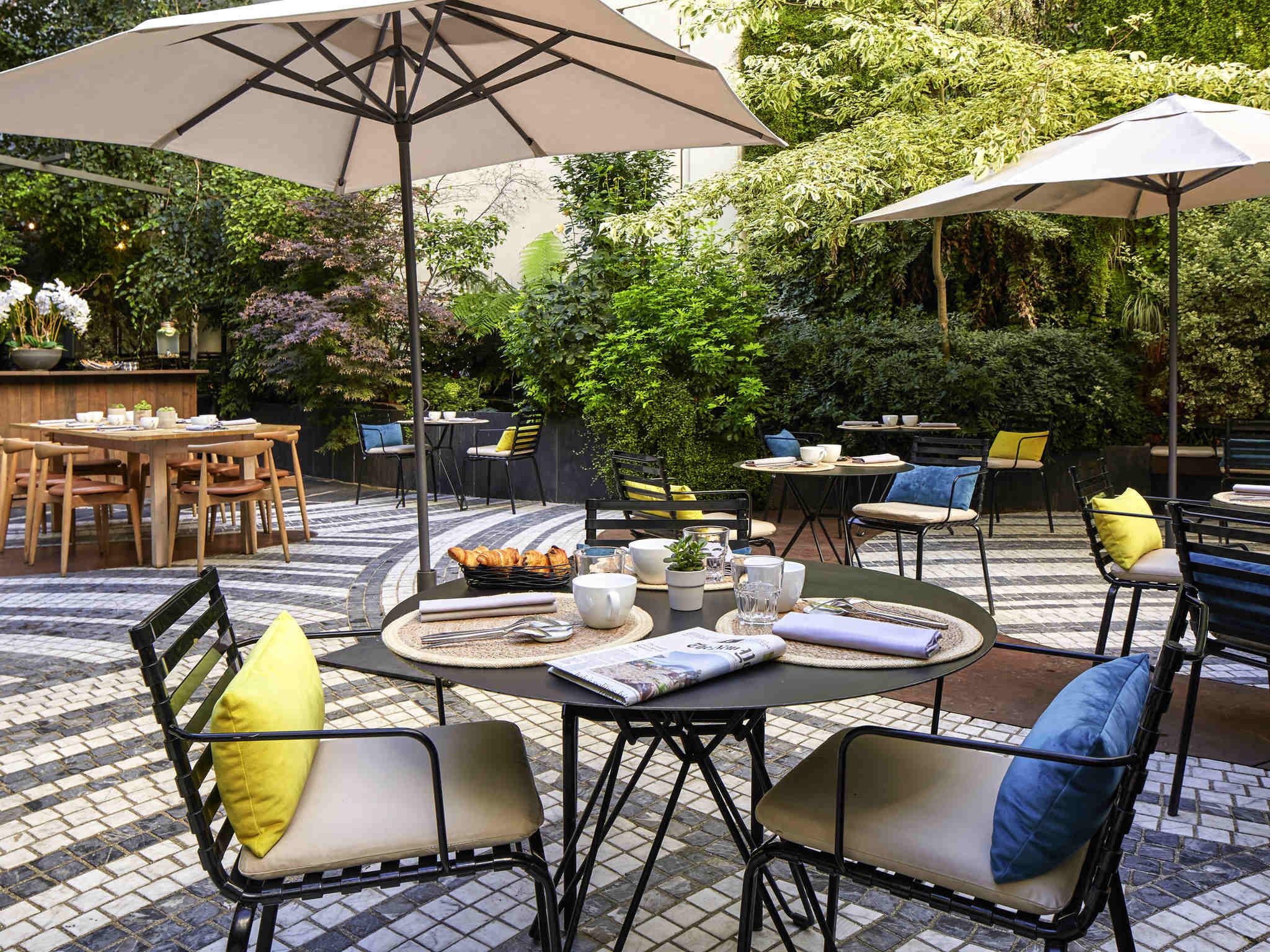 Hotel In Paris - Novotel Paris Les Halles - All à Table De Jardin Super U