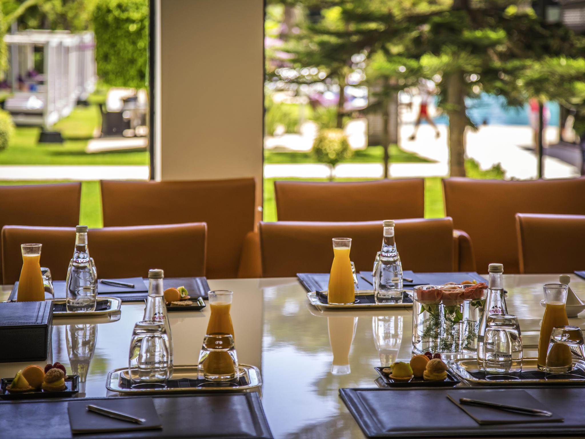 Hotel In Rabat - Sofitel Rabat Jardin Des Roses - All destiné Salon De Jardin D Occasion