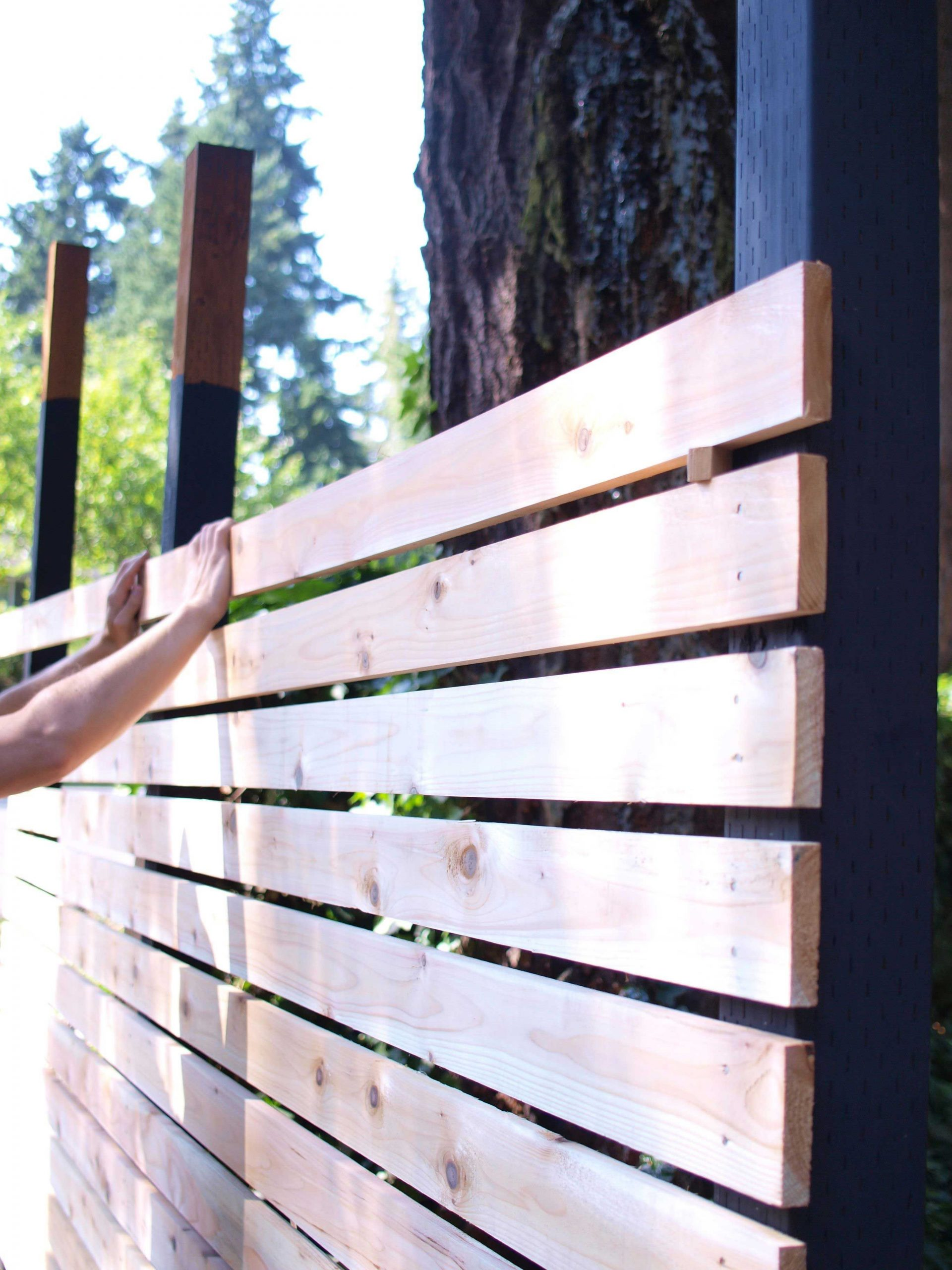 How To Build A Diy Backyard Fence, Part Ii | Cloture Jardin ... serapportantà Barrière De Jardin Pas Cher