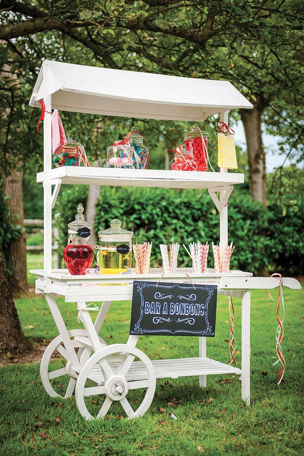 Idée De Bar À Bonbons Dans Un Jardin ! Utilisez Une Vielle ... dedans Charette Jardin
