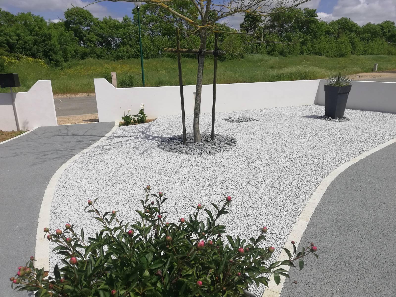 Idee Deco Jardin - Vente Et Pose De Revêtements Extérieurs ... intérieur Galet Blanc Jardin Pas Cher