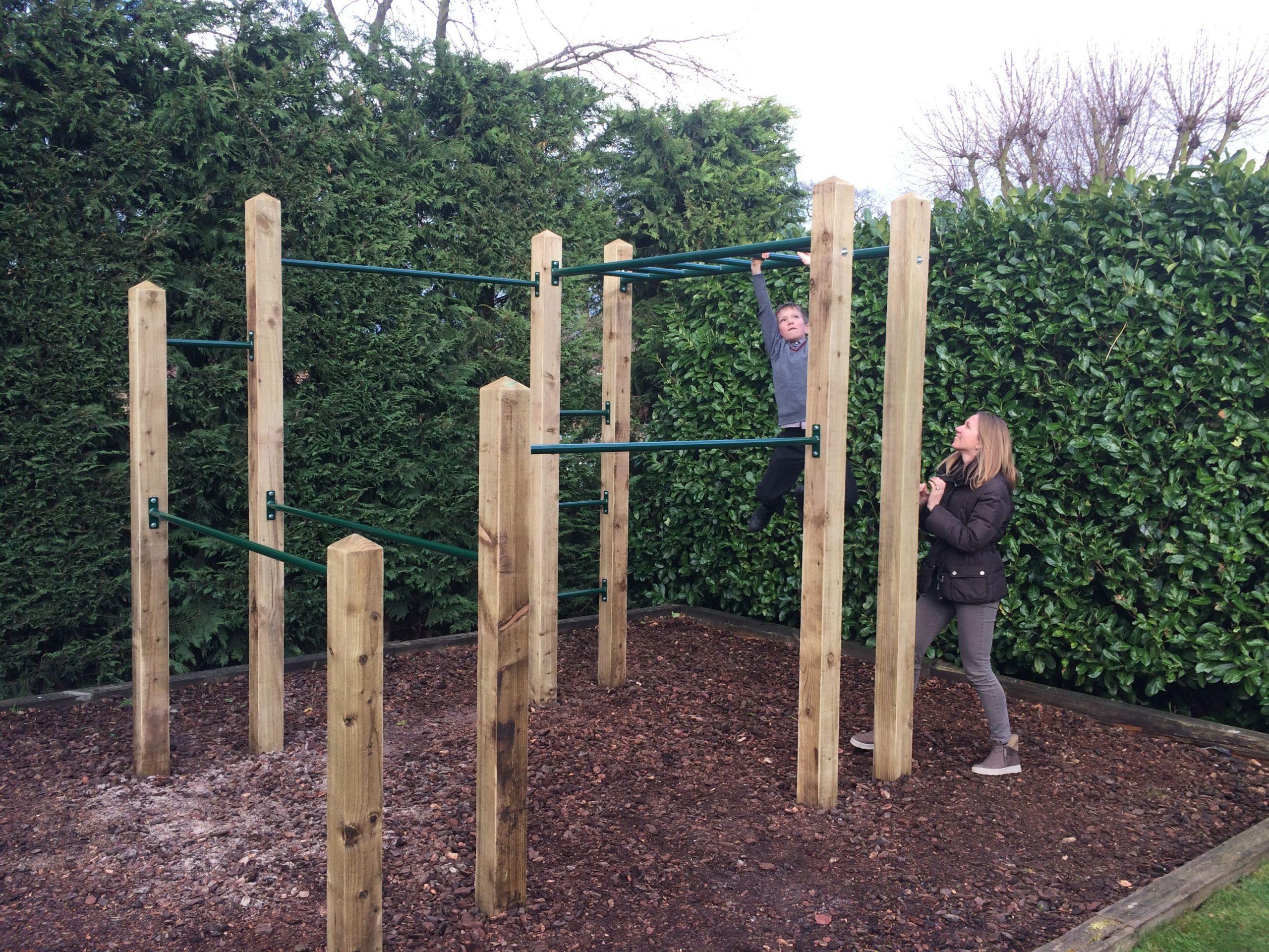 Idée Par Teddy Ted0X Sur Workout Equipment | Aire De Jeux ... encequiconcerne Barre De Gymnastique Pour Jardin