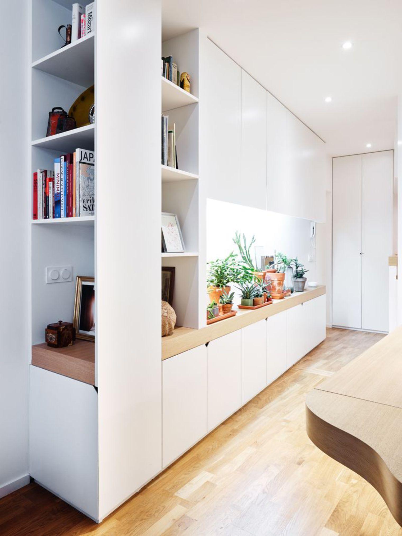 Idée Rangement Pour L'entrée : Petit Jardin Intérieur Dans ... concernant Placard De Jardin