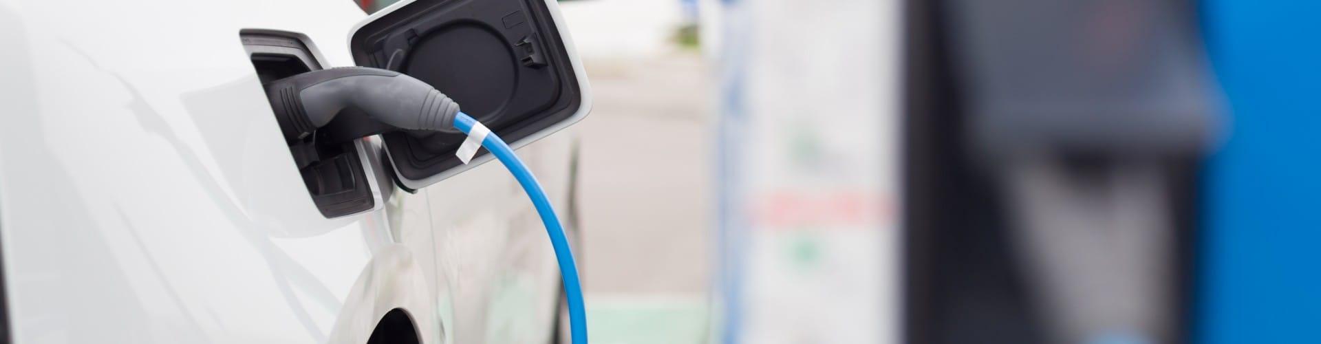Installer Une Borne De Recharge Électrique À Votre Domicile ... tout Borne Electrique Jardin