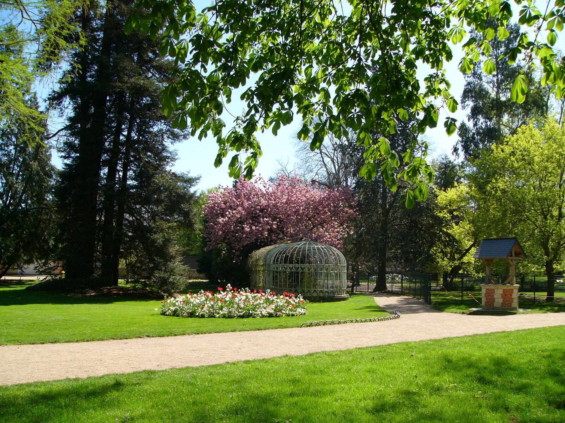 Jardin Botanique - Site Officiel De La Ville De Tours dedans Jardin Botanique Emploi