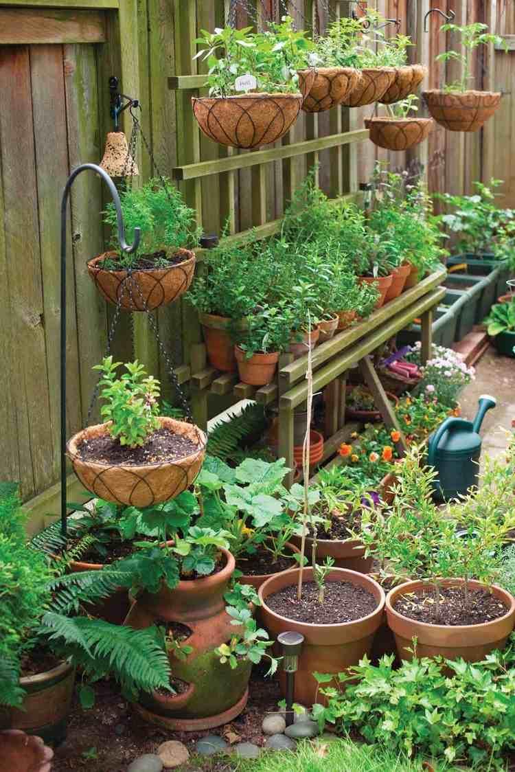 Jardin De Balcon À La Verticale À Faire Soi-Même - Idées ... avec Jardin En Pots Potager