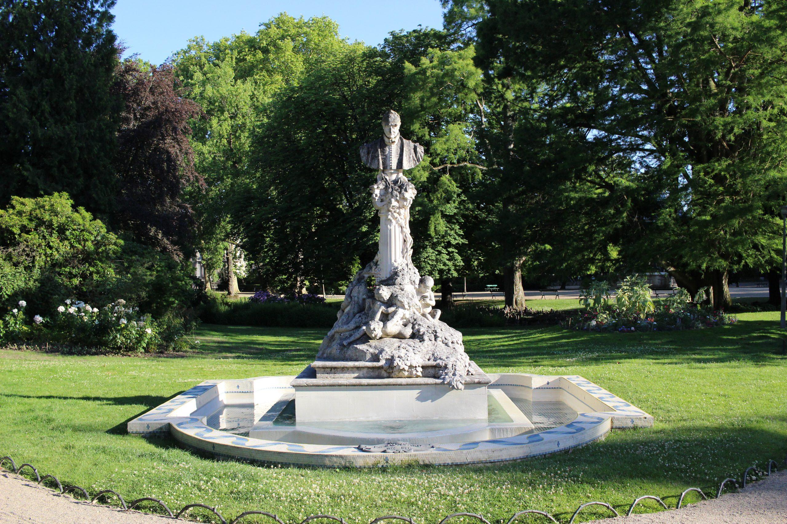 Jardin Des Prébendes D'oé — Wikipédia à Statues De Jardin Occasion