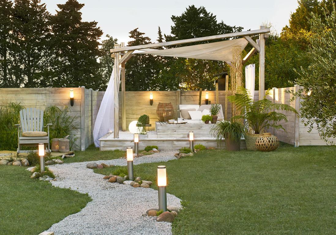 Jardin : Idées De Décorations À Petit Prix – Arbousier ... tout Idée Allée De Jardin