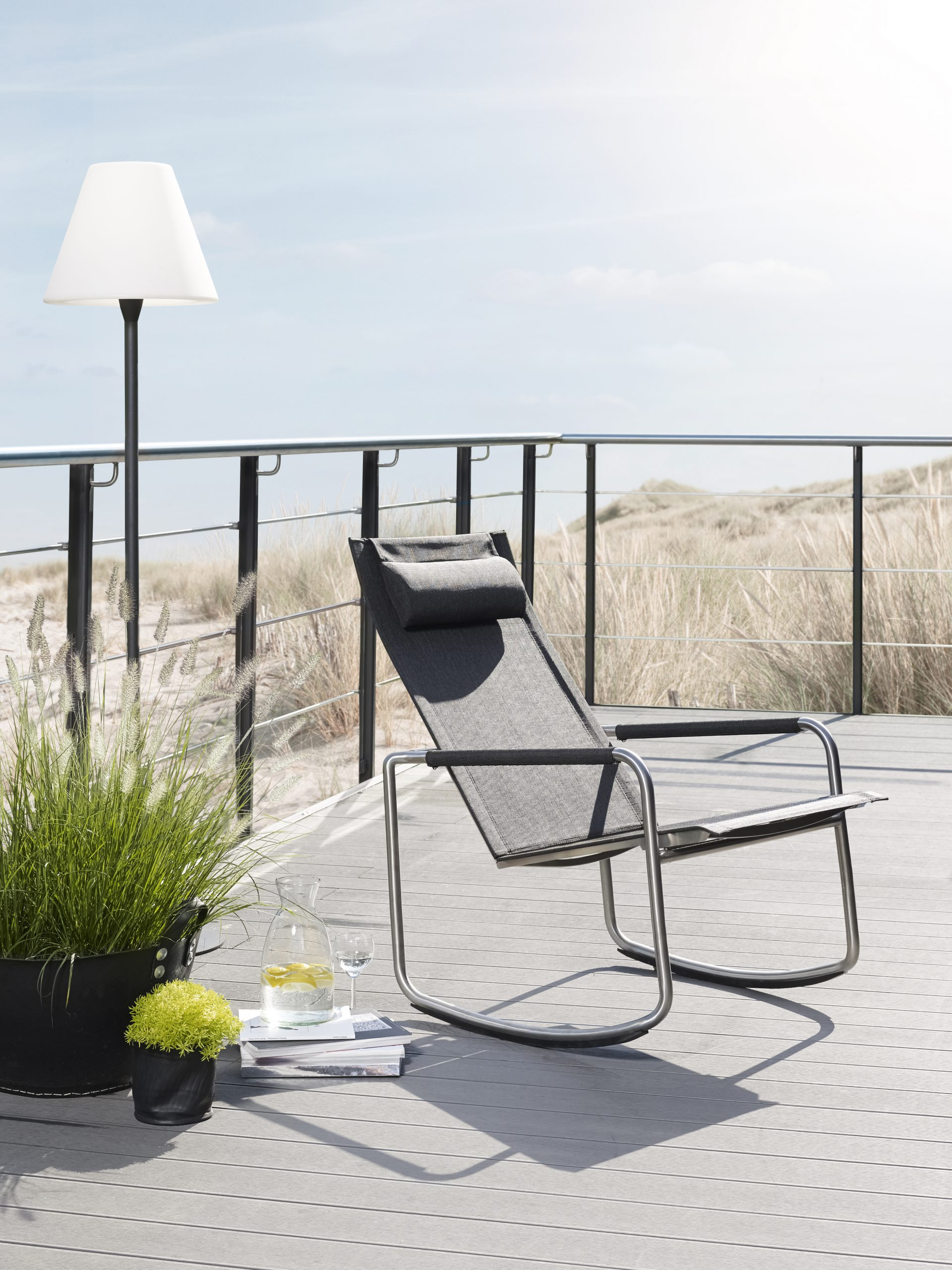 Jardin Rocking Deck Chair By Solpuri | Stylepark intérieur Rocking Chair Jardin