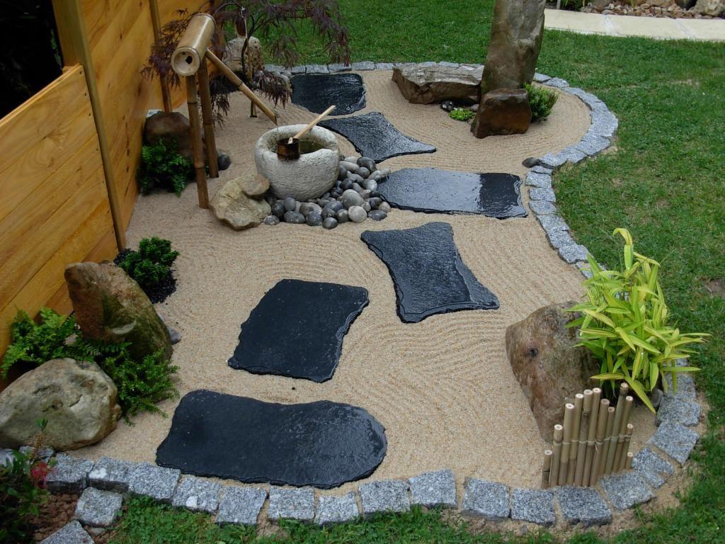 Jardin Zen Avec Bouddha Schème - Idees Conception Jardin encequiconcerne Jardin Avec Galets Blancs