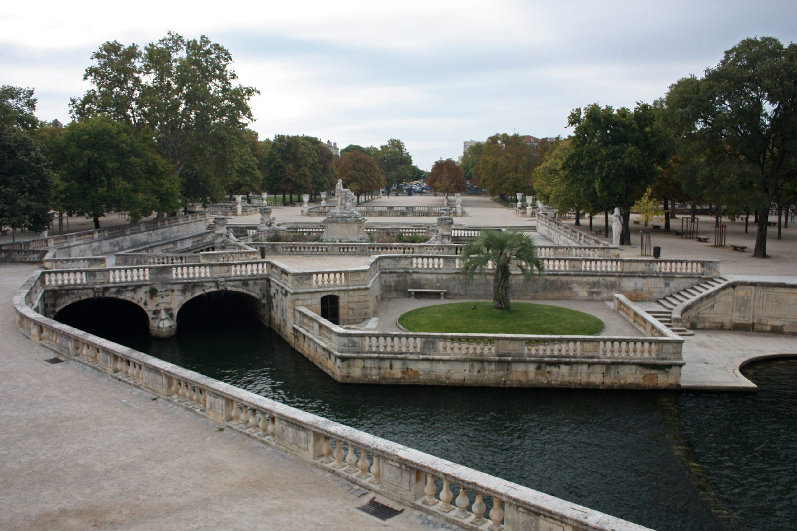 Jardins De La Fontaine – Wikipédia, A Enciclopédia Livre concernant Fontaine De Jardin En Fonte