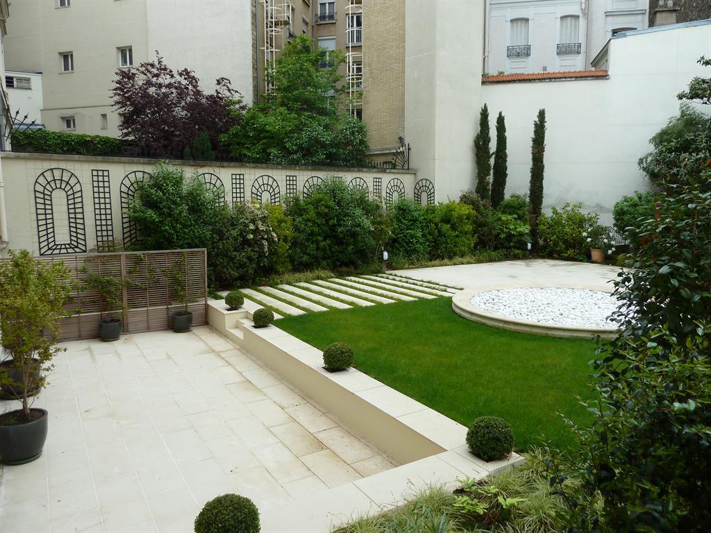 Jardins Design Et Contemporains Idée Déco Et Aménagement ... dedans Modele De Jardin Avec Galets