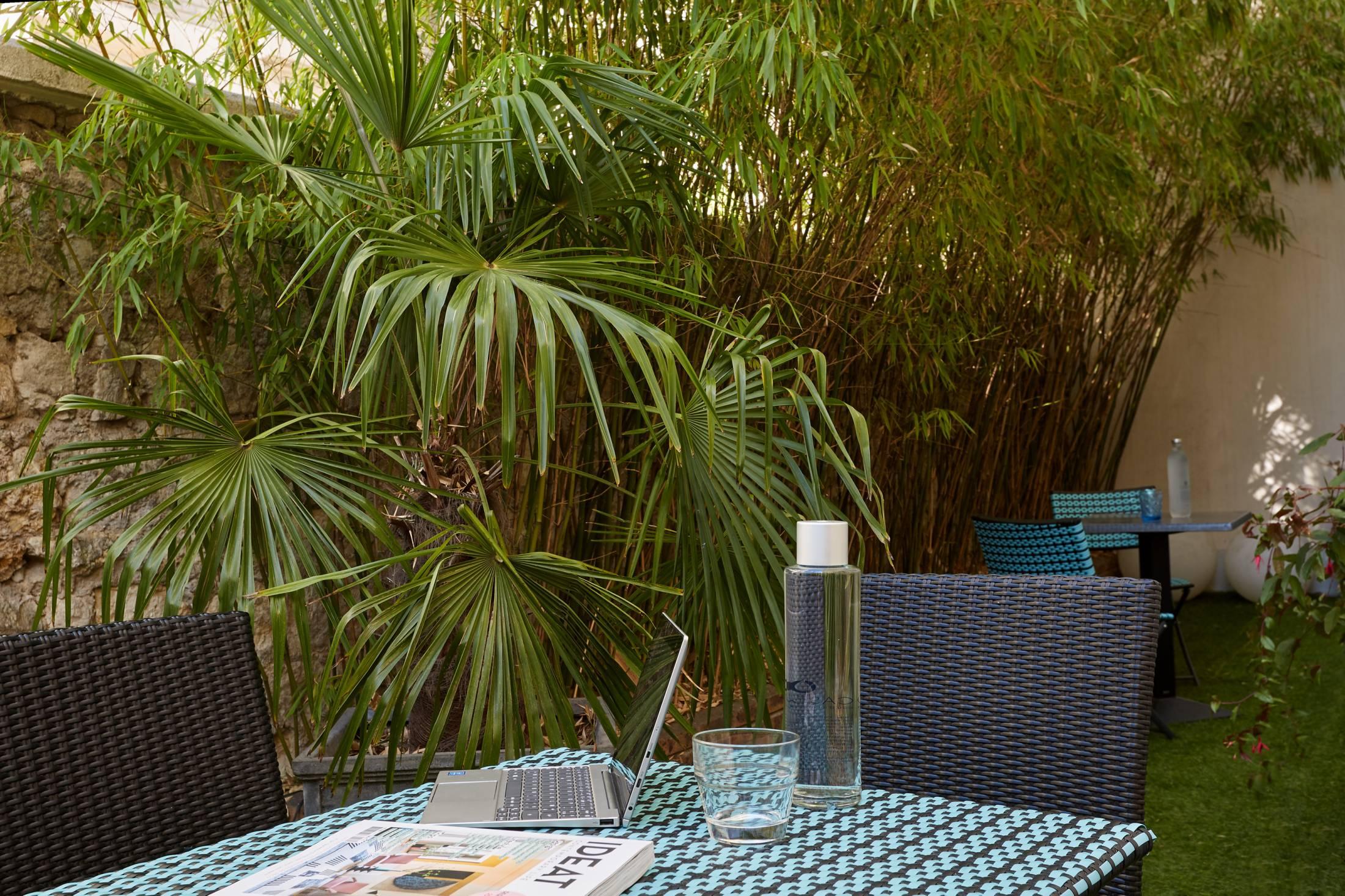 Jardins Fleuris Appartements Asnières - Résidence Paris ... avec Jardin Avec Galets Blancs