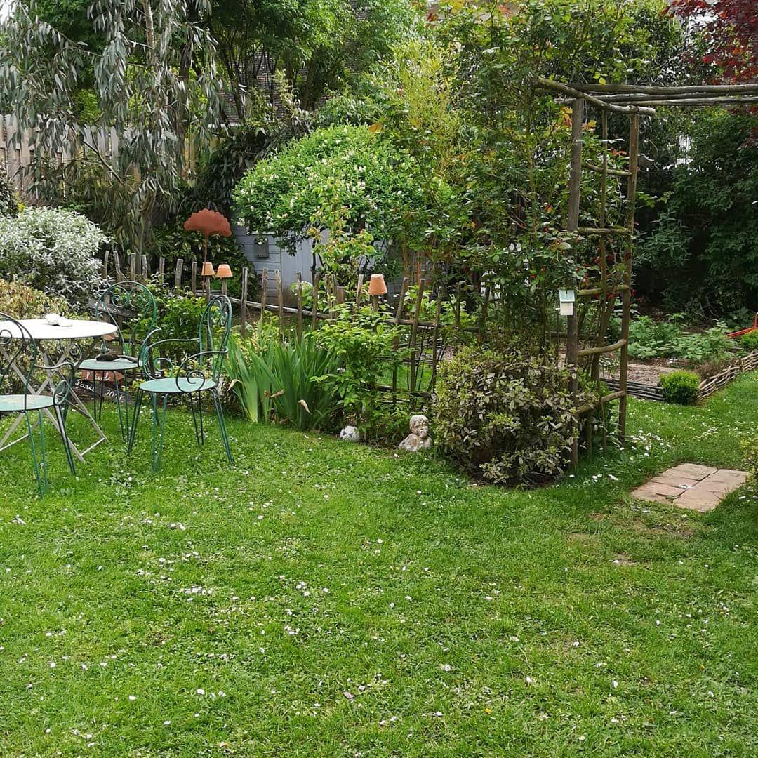 Je L'aime Beaucoup Ma Petite Barrière De Jardin ... intérieur Petite Barriere Jardin