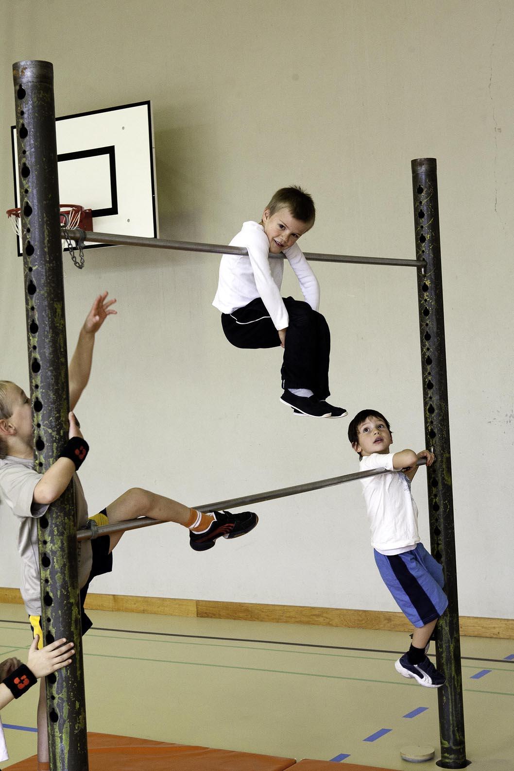 J+S-Kids – Grimper Et Prendre Appui: Jardin D'escalade ... avec Barre De Gymnastique Pour Jardin