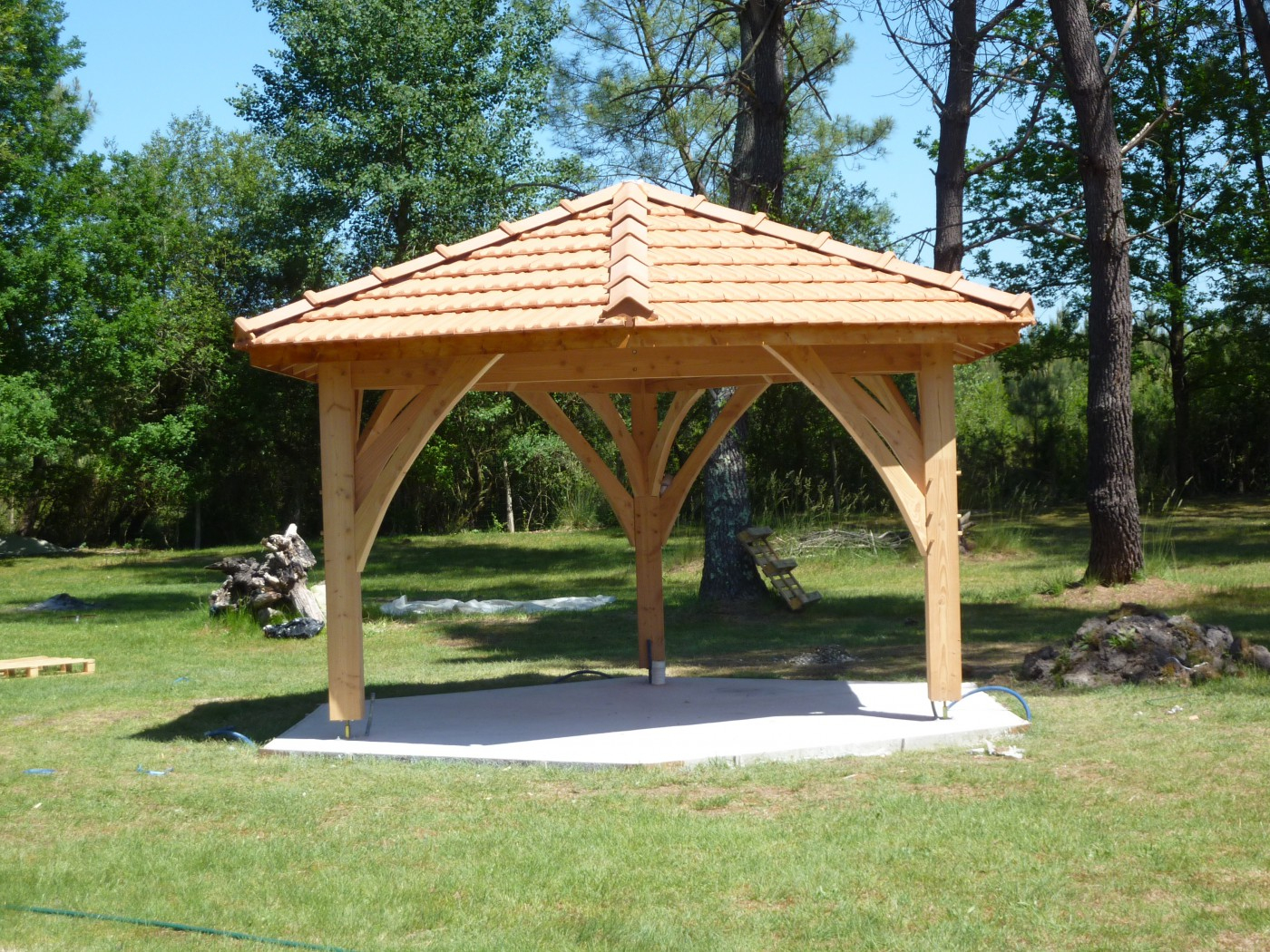 Kiosque De Jardin - Agulhon Charpente serapportantà Kiosque De Jardin En Bois
