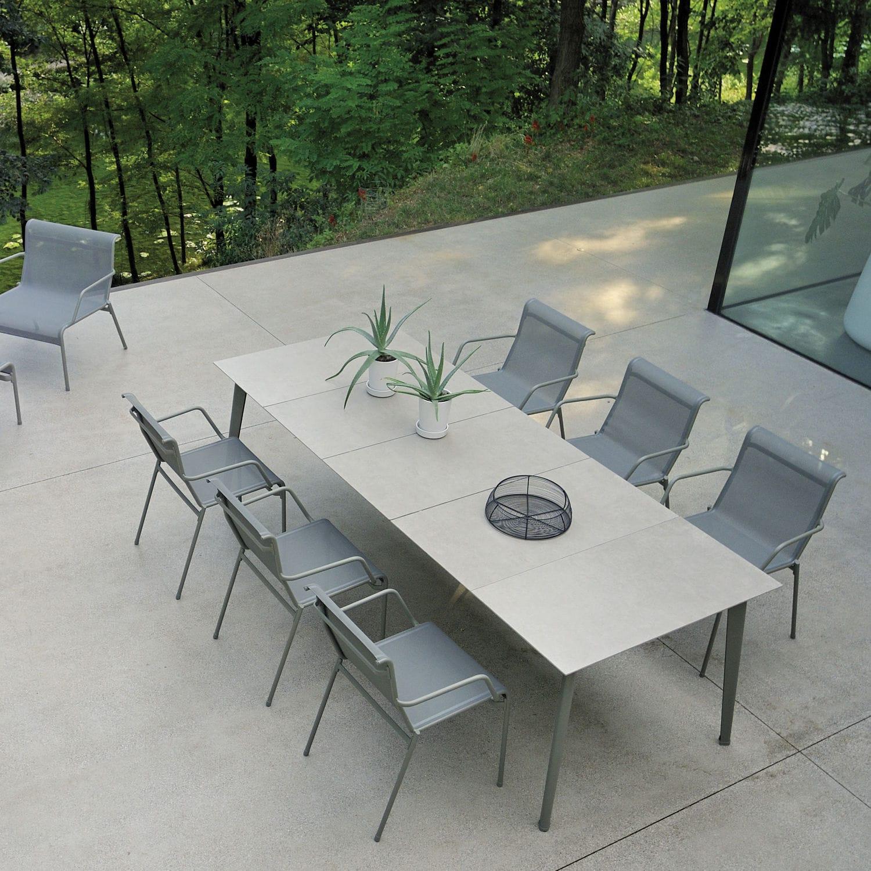 Kira By Stefan Diez - Table Contemporaine / En Aluminium / Avec Piètement  En Aluminium / Rectangulaire By Emu | Archiexpo tout Table Jardin Ceramique
