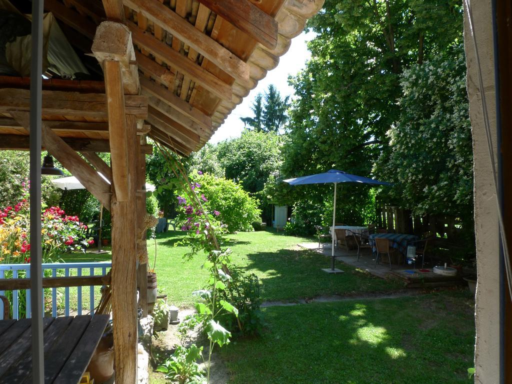 Konukevi Maison D'hotes Le Jardin (Fransa Les Avenières ... intérieur Bache Verte Jardin