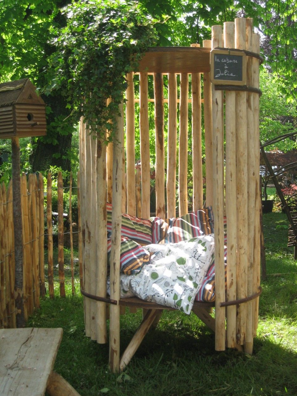 La Cabane De Julia | Cabanes | Jardins, Amenagement Jardin ... destiné Abri Jardin Bambou