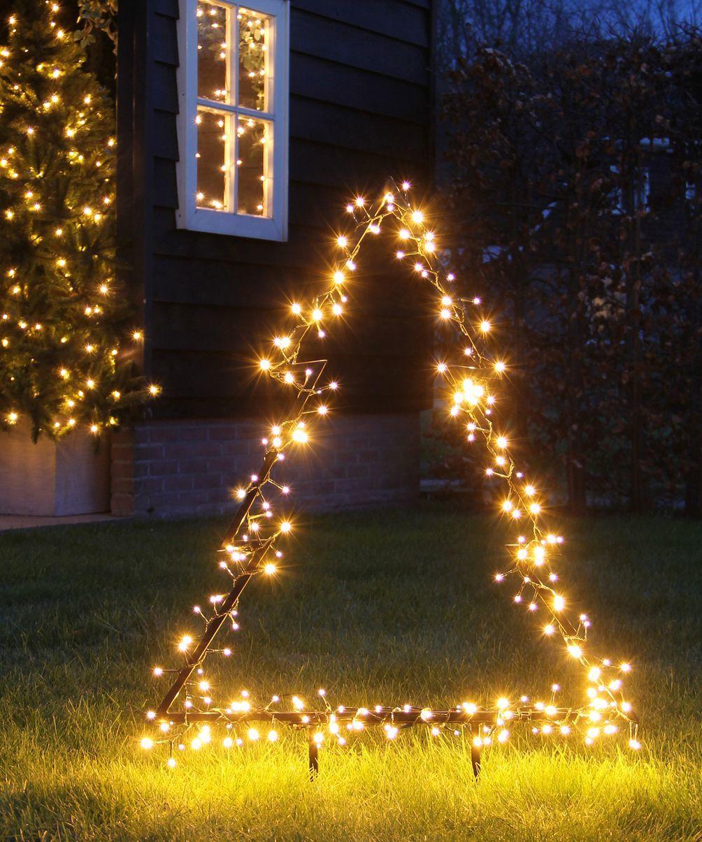 La Décoration Extérieure De Noël : 10 Idées Déco Pour ... encequiconcerne Boule Lumineuse Jardin