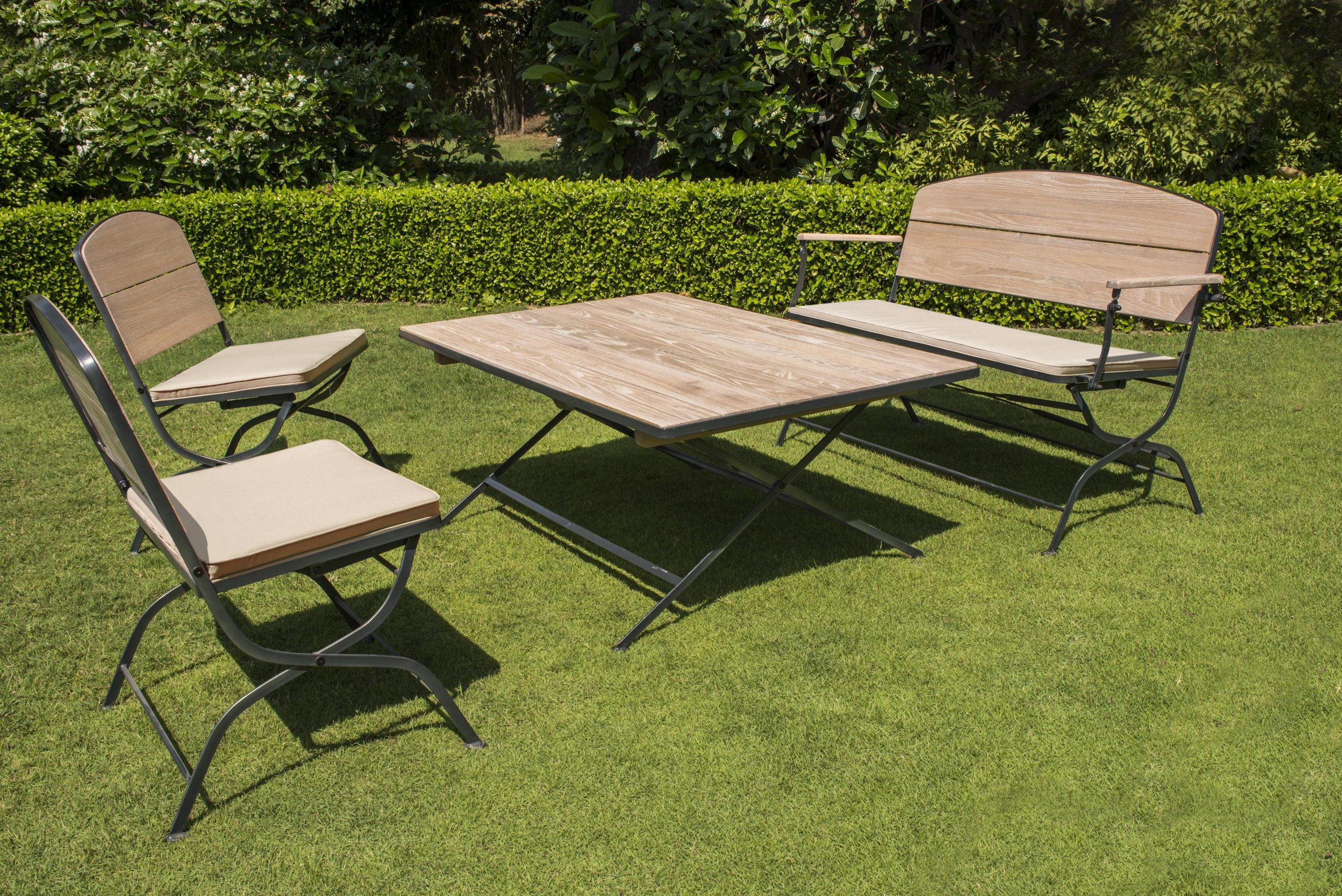 La Maison Du Jardin : Salon De Jardin Pliant En Bois Et ... avec Salon De Jardin Table Haute