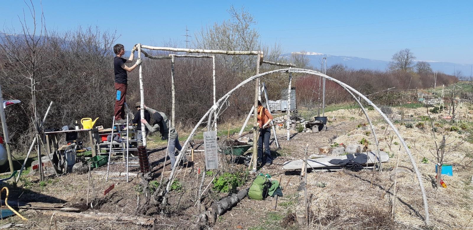 La Motte Qui Botte: Avril 2019 destiné Botte De Jardin