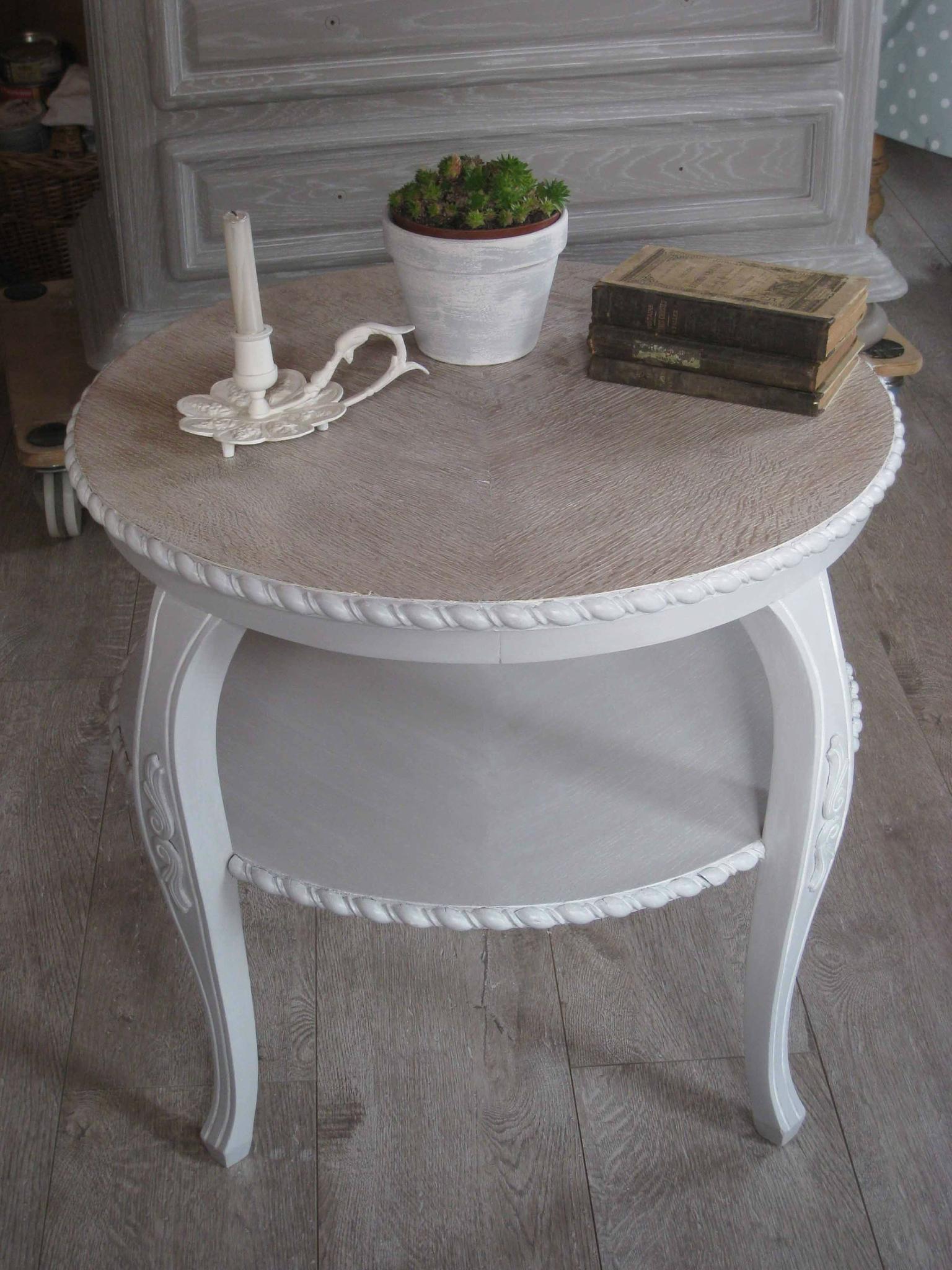 La Table Basse Et Le Meuble Télé En Style Shabby - Patines ... tout Bon Coin Table De Jardin